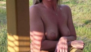 Loussine escort girl Sevenoaks
