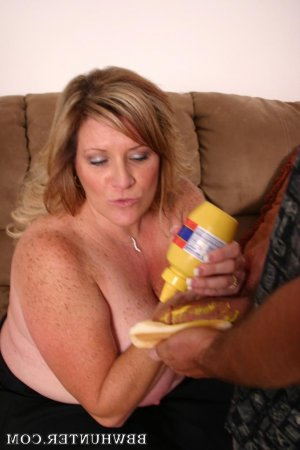 Soisik live escorts in Fridley